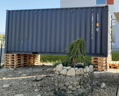 Jednoduché uložení kontejneru na paletách